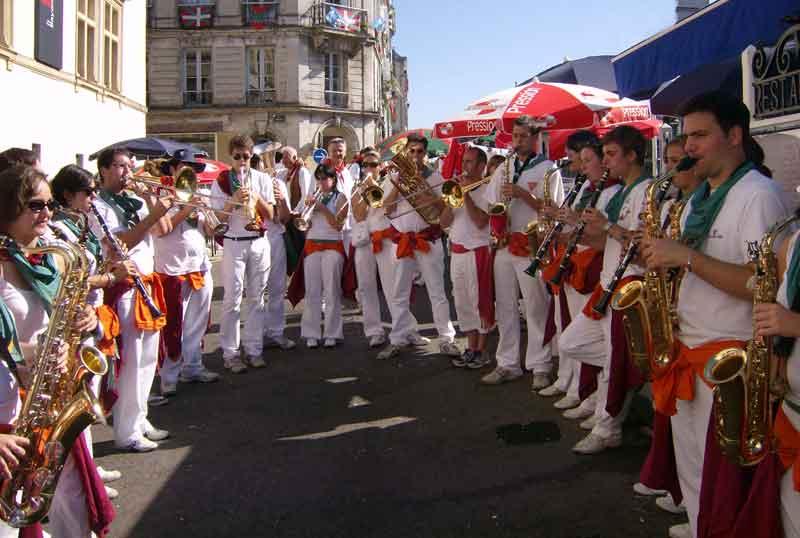 Los Gatchos sur les bords de Nive Bayonne 2009